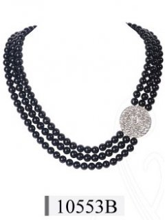 10553 Triple strand pearl necklace with large diamant disc off centre Available in Cream and Black Please Click the image for more information.