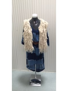 P118A CREAM WOOLEN VEST  48CM Please Click the image for more information.