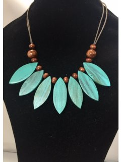 10839A TEALE WOODEN LEAF NECKLACE Please Click the image for more information.