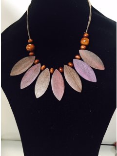 10839C MAUVEBROWN LEAF WOODEN NECKLACE Please Click the image for more information.