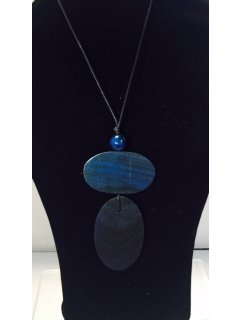 10835 BLUE WOODEN NECKLACE Please Click the image for more information.