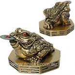 Three legged Moon Frog Statue, with coin in mouth Gold Three Legged moon Frog represents wealth and health Please Click the image for more information.