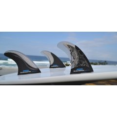 SCARFINI HX Manta Thruster Set The carbon design on the larger and more raked side fin creates a stiffer base and leading edge but with a flexible and lively tip. Please Click the image for more information.