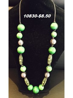 10830 GREEN WOODEN BEAD NECKLACE Please Click the image for more information.
