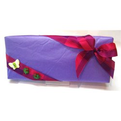 White gift box GIFT WRAPPED - 32 chocolates $59.40 Contains 32 assorted chocolates Please note that as every box is packed differently the precise assortment shall vary B. Please Click the image for more information.